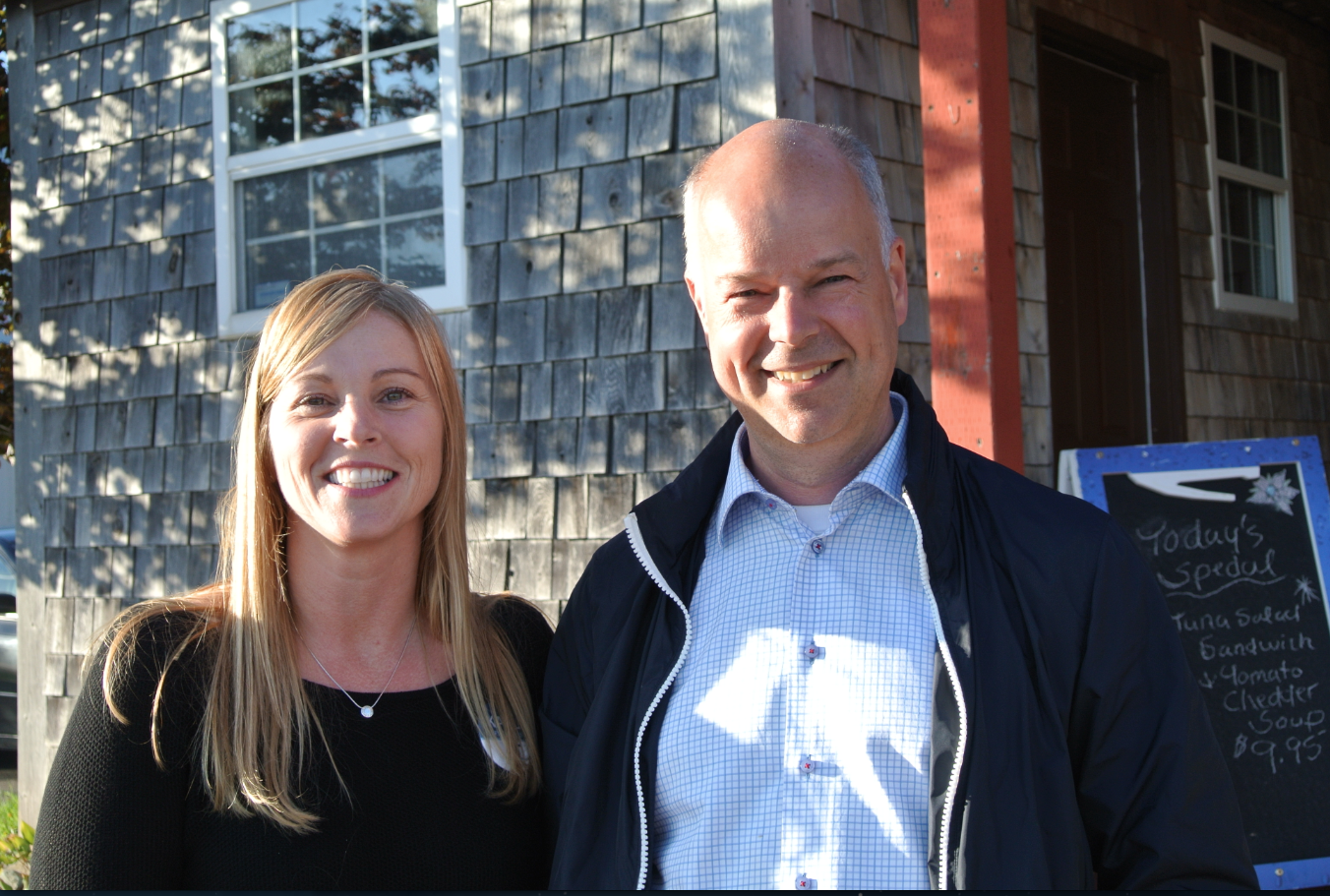 MacFarlane with  Nova Scotia Progressive Conservative leader Jamie Baillie, another vocal opponent of the Liberal government's anti-film industry policies.
