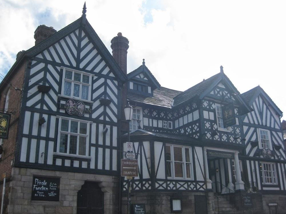 The Lion & Swan in 2009